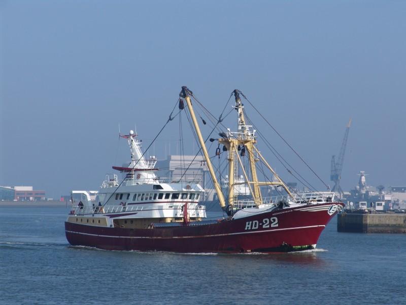 De bemanning van de kotter HD-22 wordt ervan verdacht cocaïne te hebben gesmokkeld. De schipper kreeg zeven jaar cel, twee opvarenden elk 42 maanden. (Archieffoto PAS Publicaties)