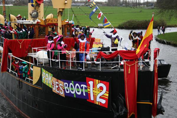 Pakjesboot 12 is aangekomen bij Het Havenmuseum