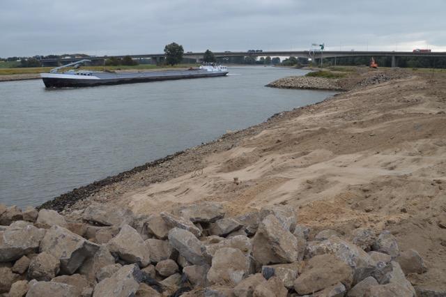 Stenen uit IJsseloever