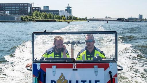 Zeven keer varen onder invloed in Amsterdam