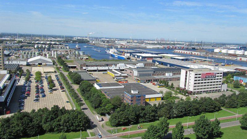 De Westhaven in Amsterdam. Havenbedrijf wil ruimte voor bedrijven houden. (Foto Nieuwsblad Transport)