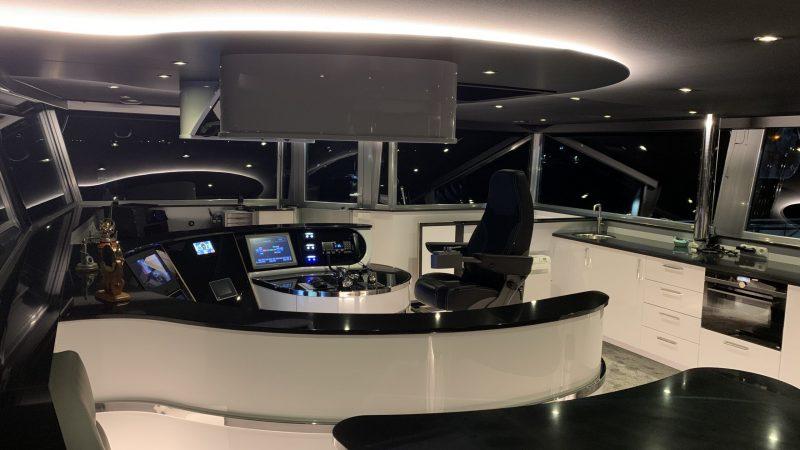 Het stuurhuis van de Deo Gratias is ingericht door timmerbedrijf De Leeuw & Van Vugt. (Foto De Leeuw & Van Vugt)