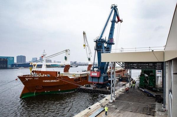 Ook werd een groei van 6% gerealiseerd in droge bulk met 33,6 miljoen ton tegen 31,6 miljoen ton in 2018 (Foto Haven Amsterdam / Kloet)