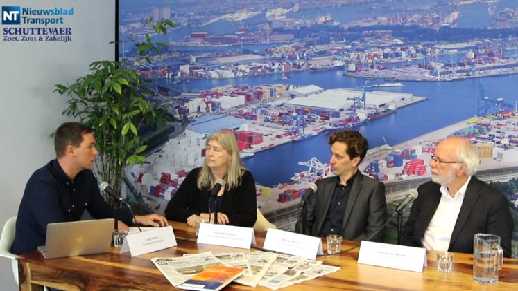 Sprekers vlnr:  Jordi Kloos, redacteur Nieuwsblad Transport; Sunniva Fluitsma, woordvoerder Algemeene Schippers Vereeniging (ASV); Michiel Verwerft, CTO Eco Worldwide Solutions (EWS); Dirk van der Meulen, hoofdredacteur Schuttevaer. (Beeld uit de video)