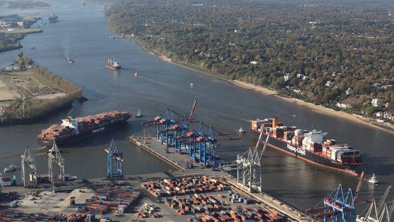 Het Portugese containerschip vervuilde de haven van Hamburg met in ieder geval 1.000 ton sterk vervuild waswater. (Foto Hafen Hamburg/Michael Lindner)