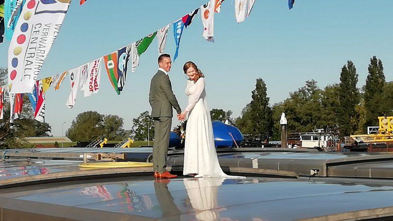 Matteo Verheij en zijn bruid Joanne Vink.