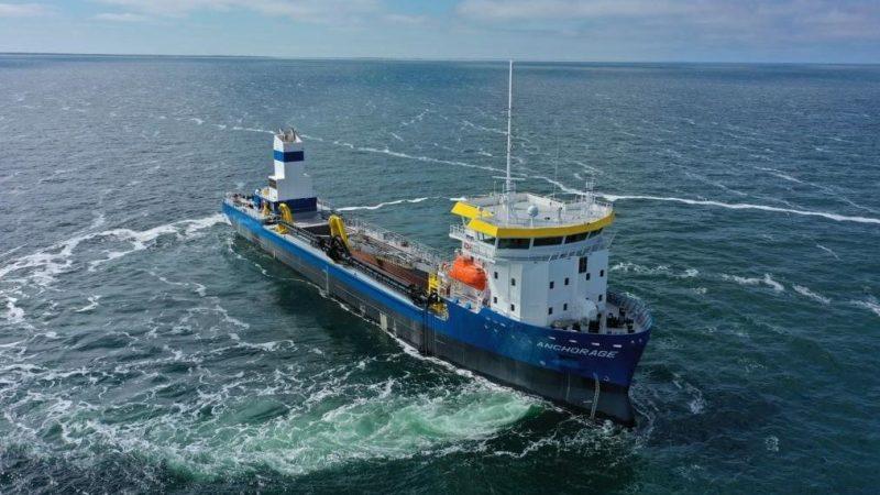 De sleephopperzuiger Anchorage op proeftocht op de Noordzee. (Foto: Barkmeijer Stroobos)