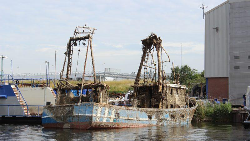 De Lummetje wordt bij Damen Shipyards Den Helder aan een nader onderzoek onderworpen (foto: PAS Publicaties)