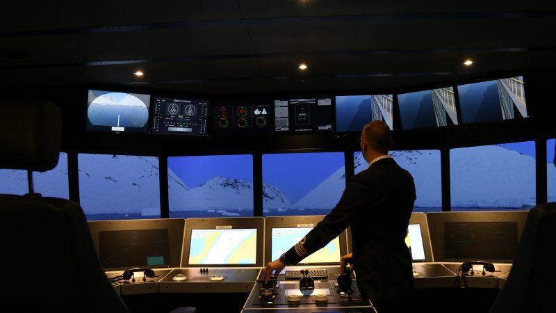 Simulatoroefening met beeldprojectie op 360 graden rondom. (Beeld Simwave)