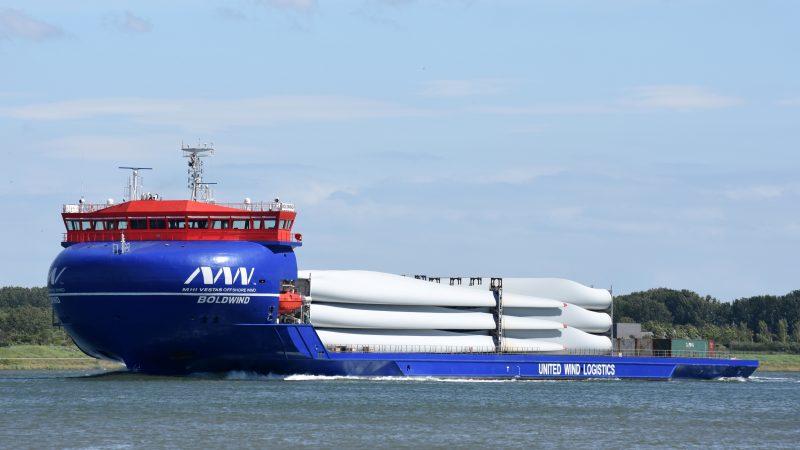 De gloednieuwe BoldWind bij vertrek uit Rotterdam. (Foto: PAS Publicaties)