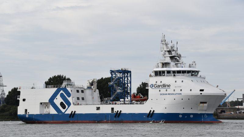 De Ocean Resolution op weg naar de Rotterdamse Waalhaven. (Foto PAS Publicaties)