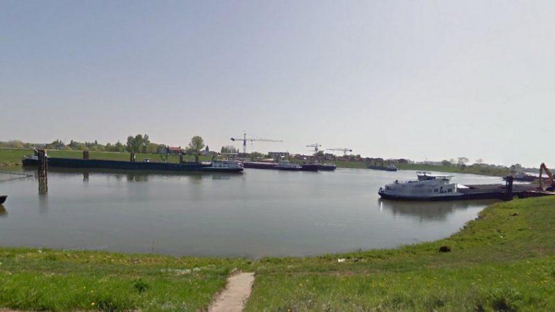 Overnachtingshaven bij Lobith. (Foto Rho)