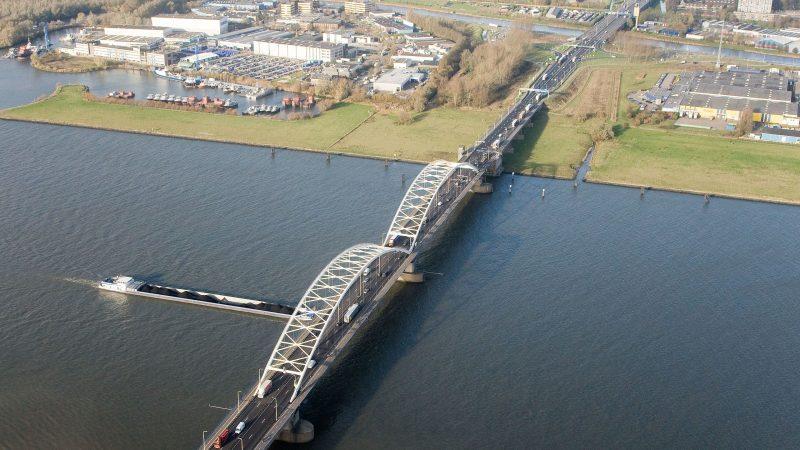 De Merwedebrug bij Gorinchem. (Foto Rijkswaterstaat)