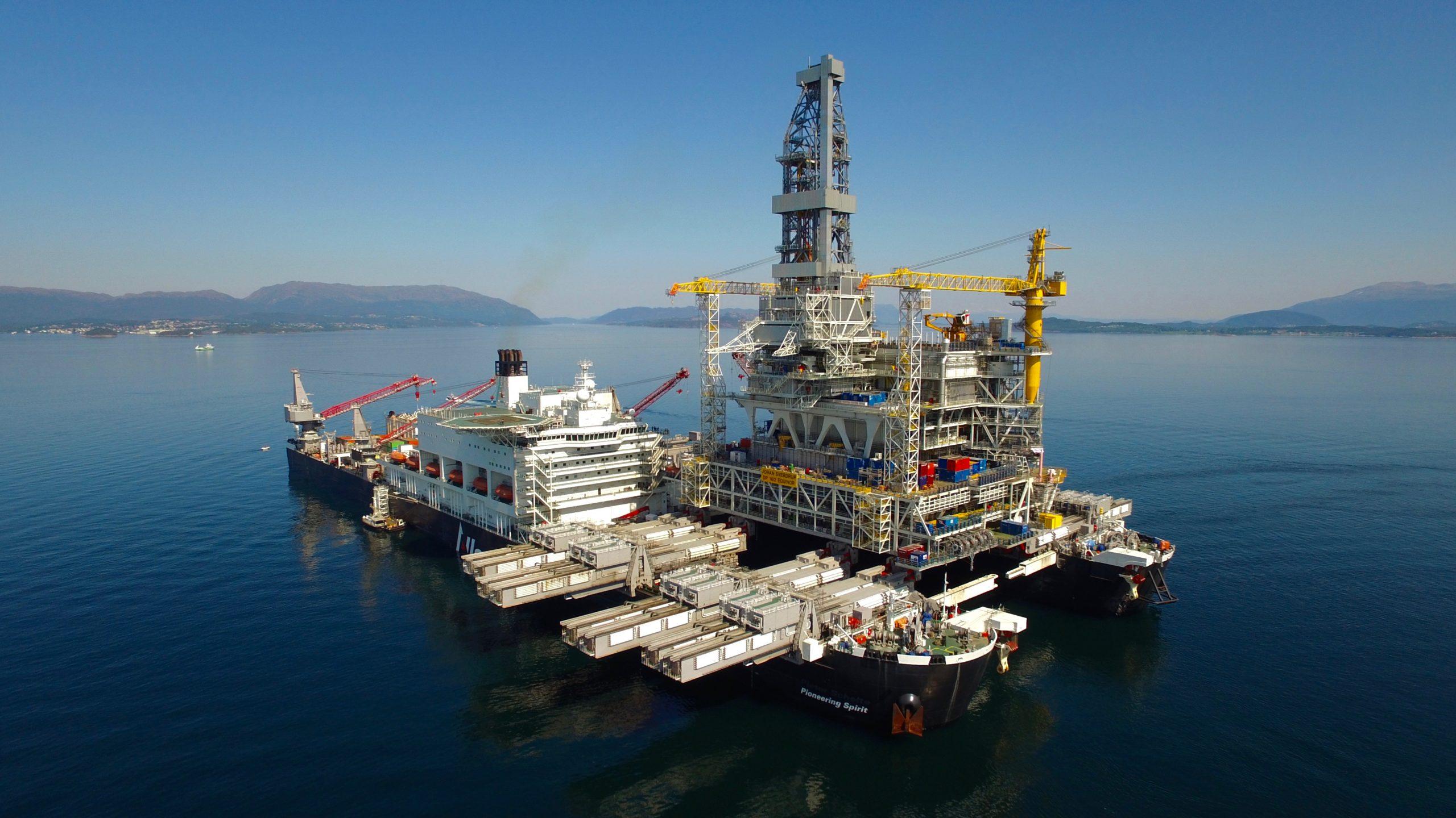 De Pioneering Spirit behoort tot de absolute top in de offshore-industrie. (Foto Allseas)
