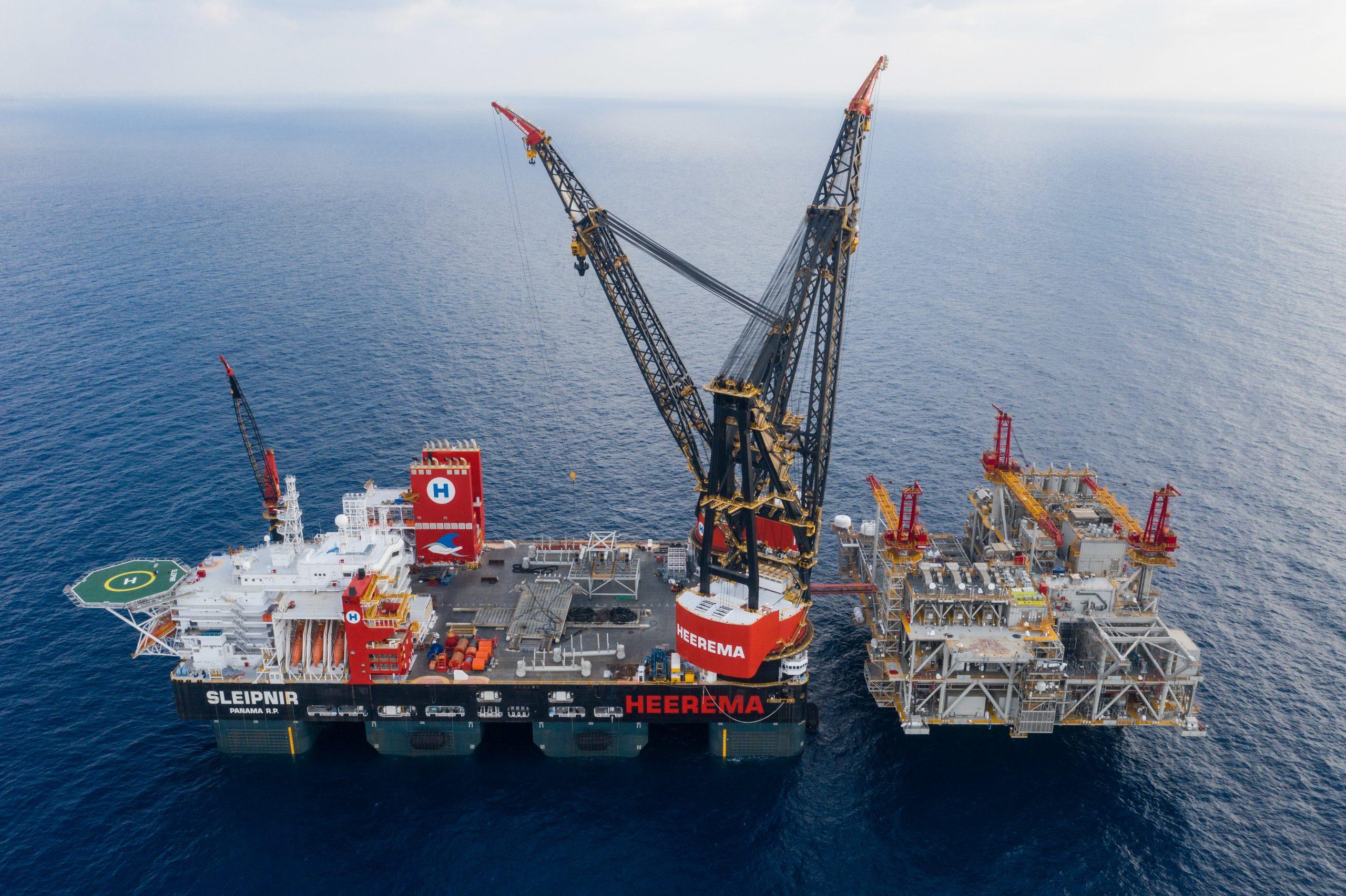 De Sleipnir is het grootste halfafzinkbare kraanschip ter wereld. (Foto Heerema Marine Contractors)