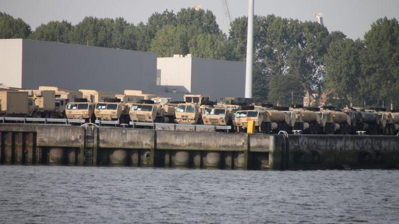 Helikopters via Rotterdam naar VS
