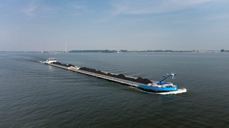 Het vierde koppelverband van rederij Deymann heeft haar eerste kolenreis intussen achter de rug. (Foto Reederei Deymann)