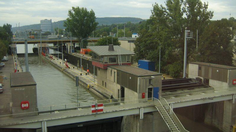 De sluis van Bad Cannstatt (Wikipedia/I. Greg O'Beirne)
