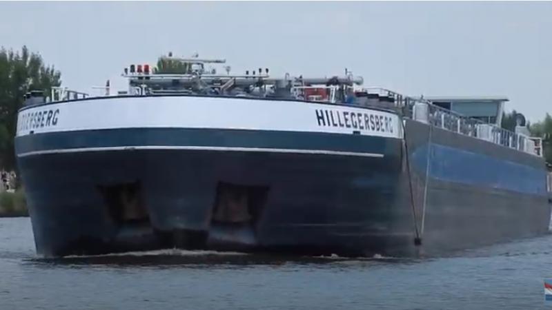 De tanker Hillegersberg uit Rotterdam. (Archiefbeeld, Youtube)