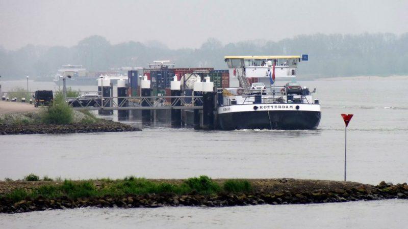 Het Rijk trekt extra geld uit voor nog meer ligplaatsen langs de Merwede. (Foto Lievens)