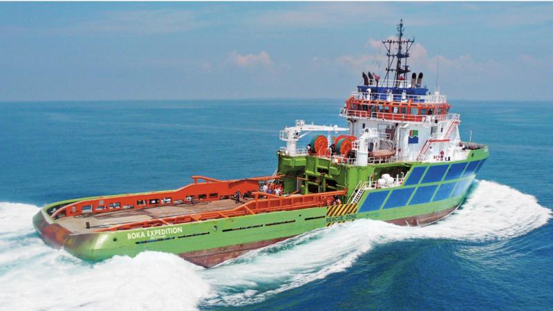 De zeesleper Boka Expedition van Boskalis heeft opdracht gekregen de uitgebrande tanker New Diamond van Sri Lanka naar Kandla in India te slepen.