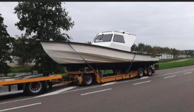 De politie heeft dinsdag in een verborgen ruimte van een snelle motorboot in de haven van het Zeeuws-Vlaamse Breskens 300 kilo cocaïne gevonden. (Foto Politie)