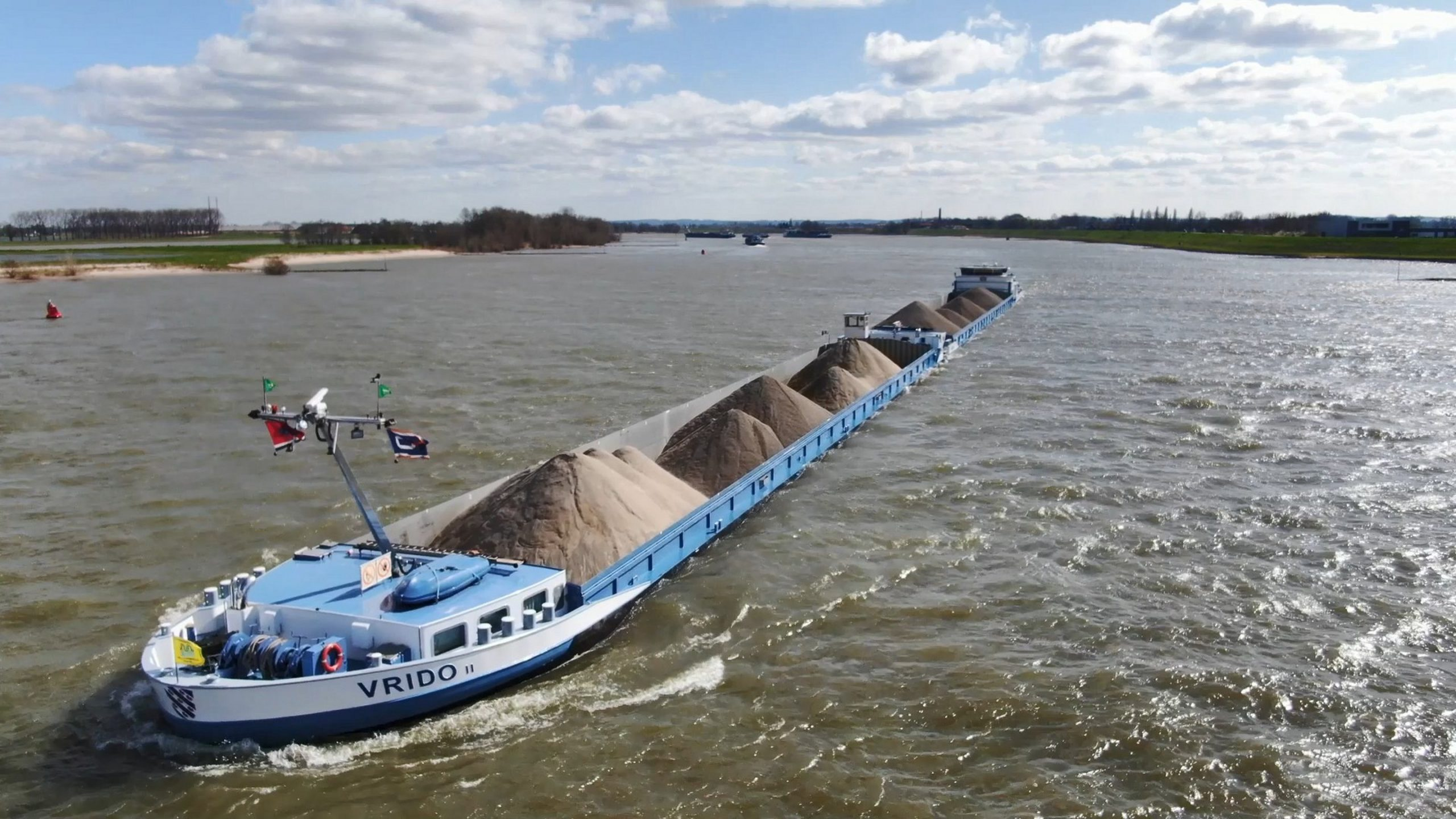 Masselink interesseert zich in alles wat over het water glijdt. (Foto Eddy Masselink)