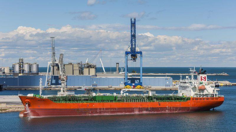 Een tanker van Stolt in Sète aan de Middellandse Zee. (Foto Christian Ferrer/Wikimedia Commons)