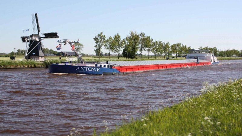 Nedstack werkt momenteel samen met Koedood Marine Group aan de ombouw van het ms Antonie naar een van de eerste commerciële waterstof-elektrische vrachtschepen van Nederland. (Foto Nedstack)