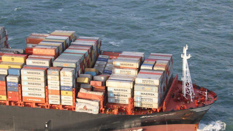 Het containerschip MSC Zoe verloor 342 containers bij de Waddeneilanden. (Foto NT)