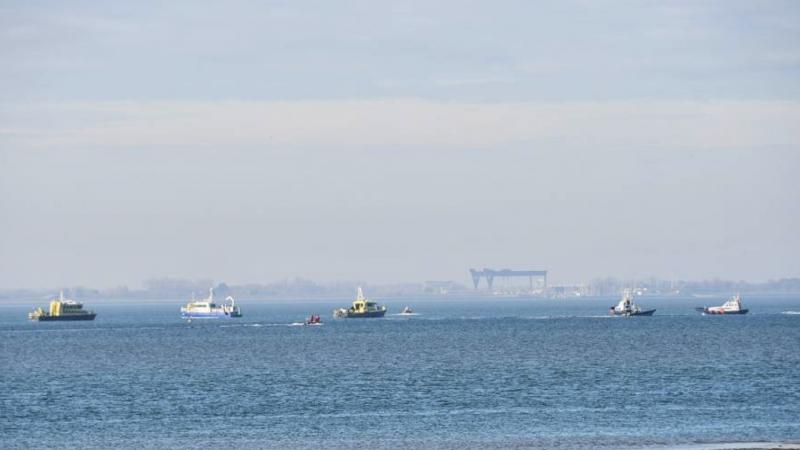 Een grote zoekactie met boten van Rijkswaterstaat, KNRM, politie en brandweer kwam meteen op gang.(Foto HV Zeeland)