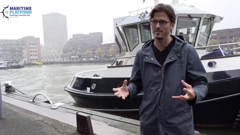 Vincent Wegener, CEO van Captain AI, voor de RT Borkum. (Beeld uit video)