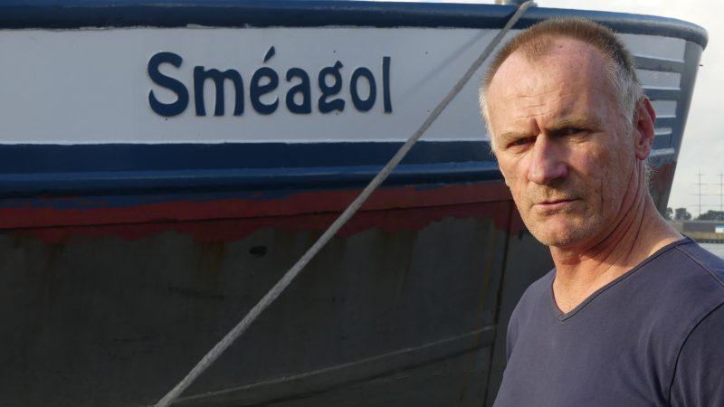 Luc Joliet bij de boeg van Sméagol. 'Wie kan er nog een schip laten bouwen in deze tonnenmaat?' (Foto Heere Heeresma jr.)