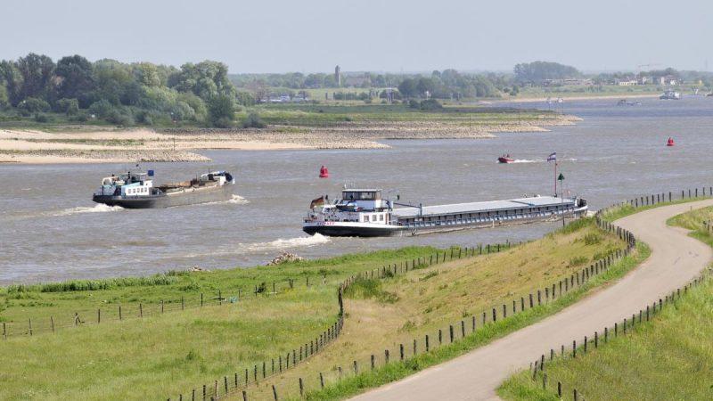 laagwater-scheepvaart-beeldbank-RWS (1)