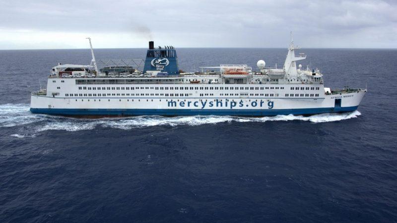 De Africa Mercy is 152 meter lang, 23,7 meter breed en heeft een gross tonnage van 16,572. (Foto Mercy Ships)