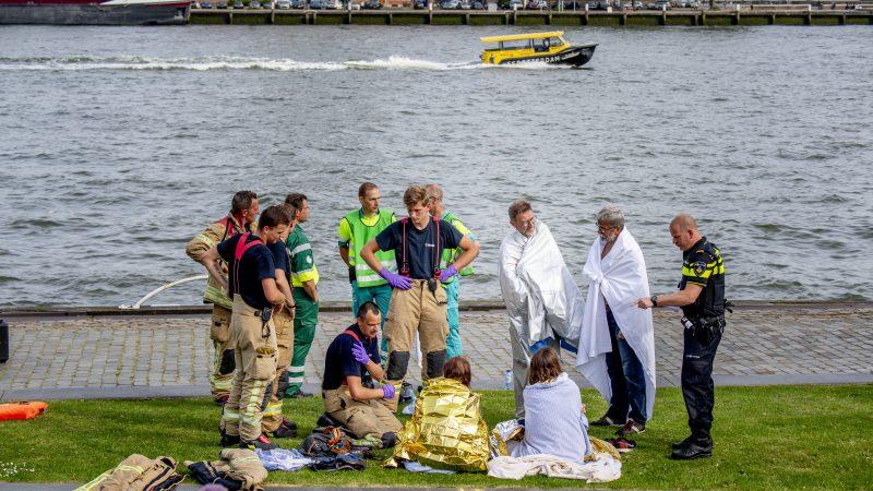Meerdere personen raakten gewond bij de botsing op de Nieuwe Maas in Rotterdam. (Foto ANP)