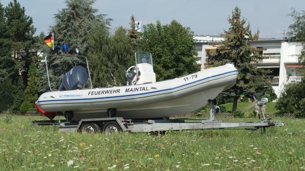 De brandweer van Maintal zocht met een boot, ter illustratie. (Foto Feuerwehr Maintal)