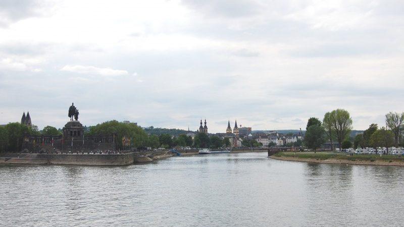 De toeslag op de Moezel geldt sinds 1968 toen Duitsland, Luxemburg en Frankrijk er een verdrag over afsloten. (Archieffoto Schuttevaer)