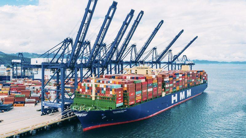 Het HMM Algeciras begon in mei dit jaar in het Chinese Yantian aan haar eerste reis naar Europa. (Foto HMM)