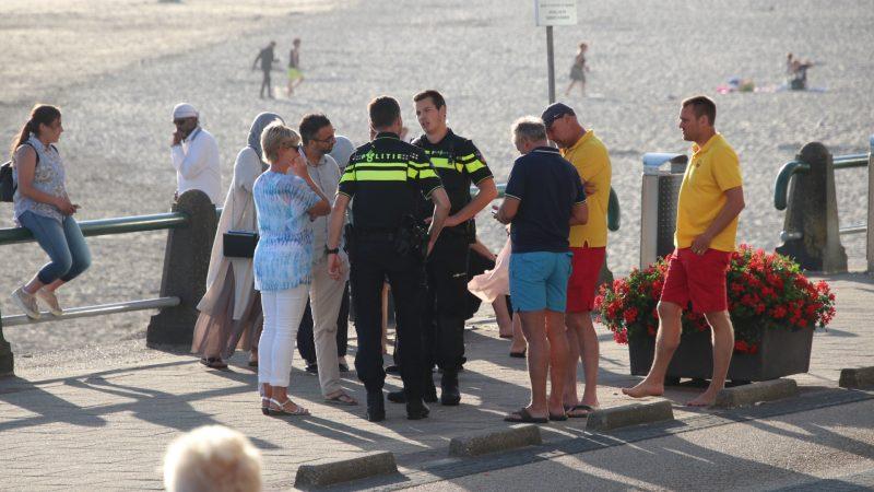 Het 'tsunami'-incident op het strand van Vlissingen hield de gemoederen nog lang nadien bezig. (Foto HVZ / Roland de Jong)