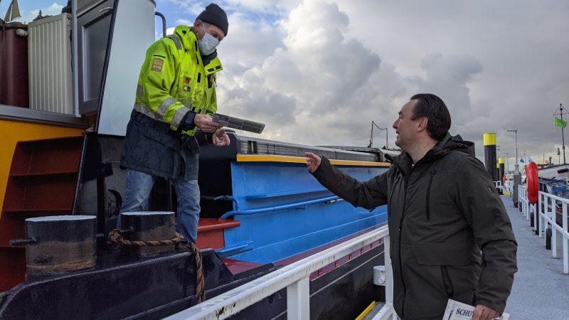 Een groot aantal schippers was blij om weer dichtbij het centrum van Rotterdam te kunnen liggen.