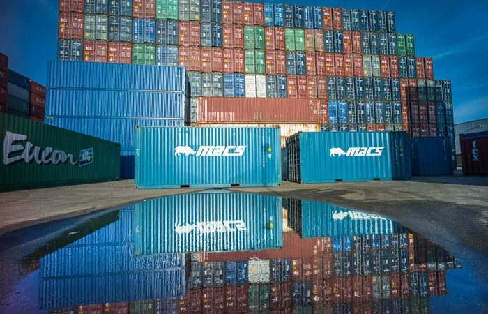 De wereldwijde overslag van containers is gestegen naar ongekende hoogte. (Foto Havenbedrijf Rotterdam)