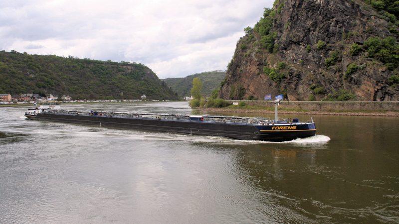Een van de deelnemende schepen: de Forens van Scheepvaartbedrijf Forens. (Foto CoVadem)