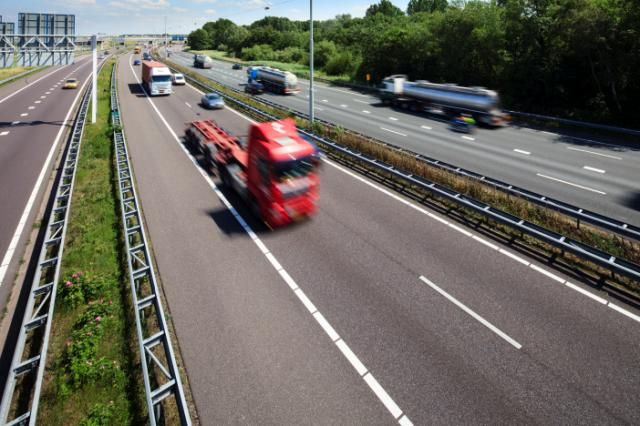 Honderden Nederlandse vrachtwagenchauffeurs zitten naar schatting vast in het Verenigd Koninkrijk. (Foto Port of Rotterdam)