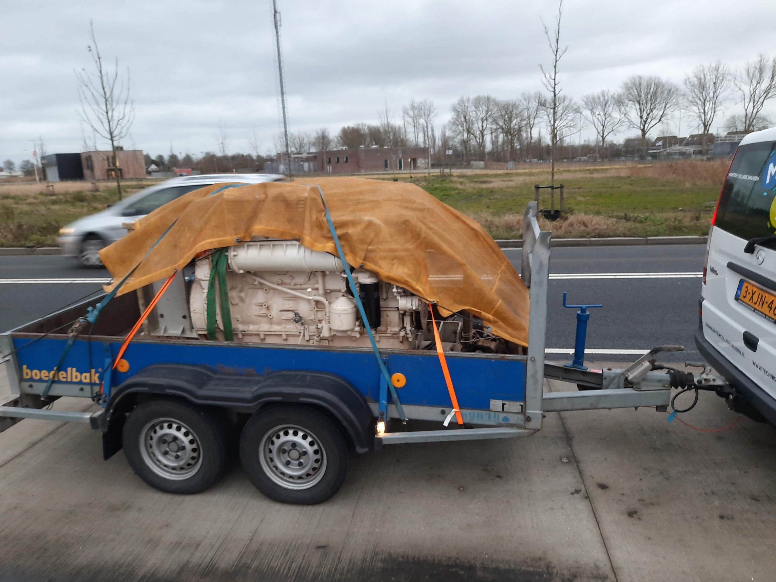 De tweede generatorset op weg naar het Maritieme College in IJmuiden. (Foto Maritieme Academie Harlingen)