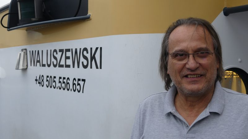 Andrzej Waluszewski op de Hannibal. 'Je eigen baas zijn is beter dan een goeie baan.' (Foto Heere Heeresma jr.)