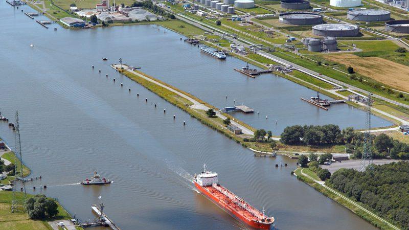 De aanvaring gebeurde in de Oliehaven in Brunsbüttel (Foto Brunsbüttel Ports)