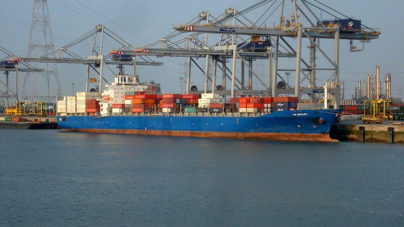 Bij de ontvoering van 15 bemanningsleden van het containerschip MS Mozart is een dode gevallen. Foto: Wikipedia