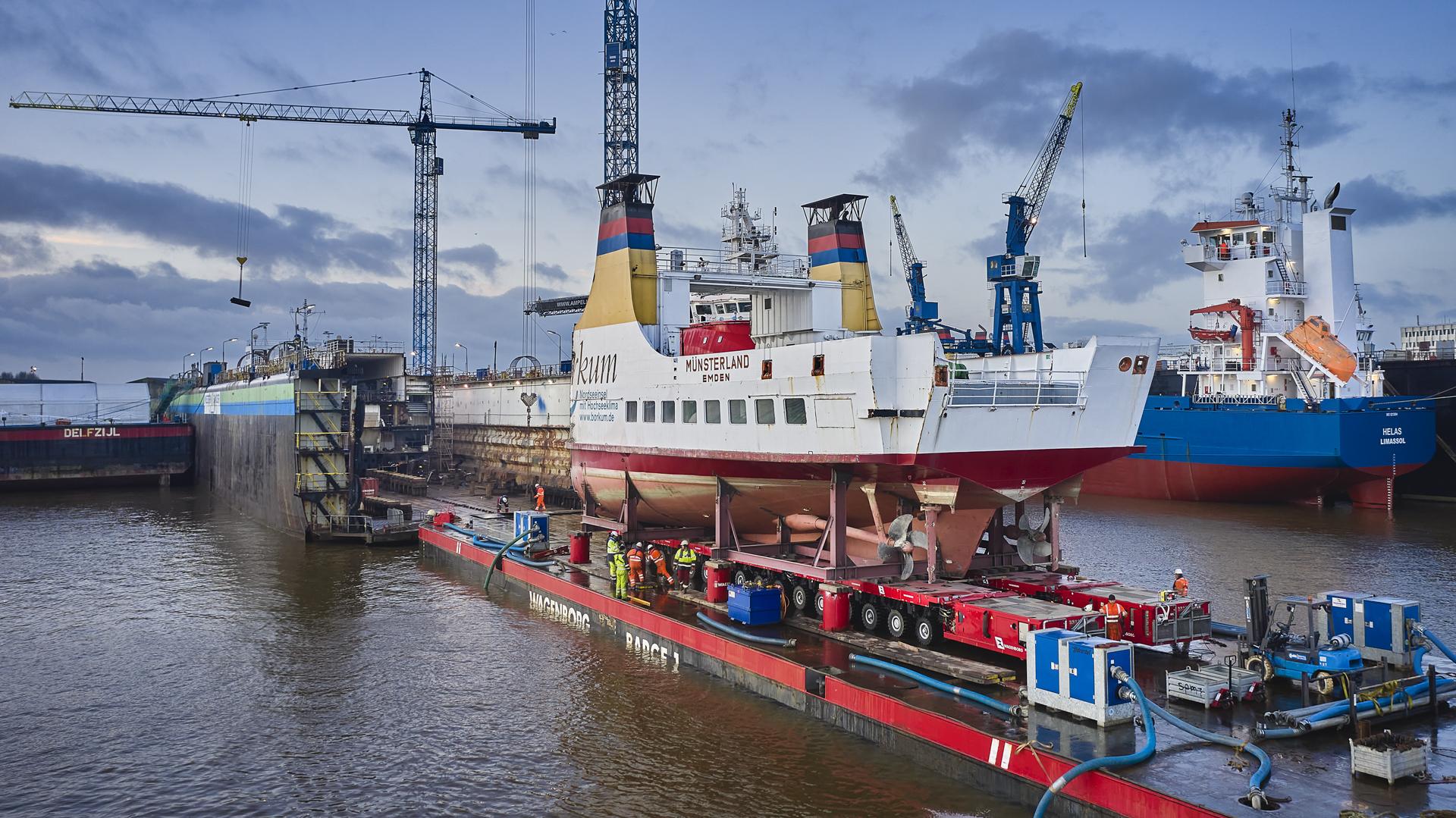 Scheepswerf Niestern Sander verwijderde het achterschip. (Foto Niestern Sander)