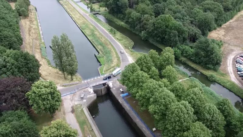 Sluis 15 op de Zuid-Willemsvaart in Nederweert. Foto:Youtube